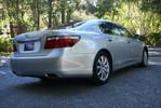 LexusLS460L_09.JPG