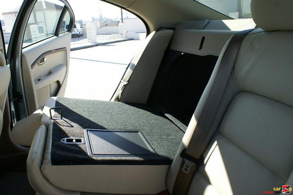 60/40 folding rear seat