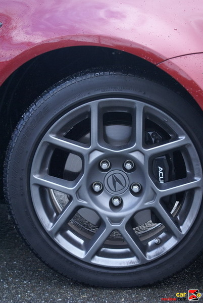 "17"" alloy wheels w/12.2"" Brembo brakes"