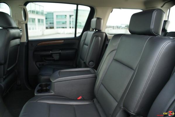 Second-row 40/20/40 split fold-flat bench seat