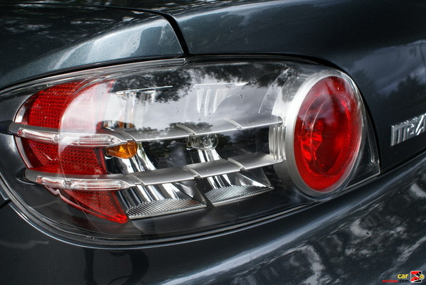 stylish rear taillights