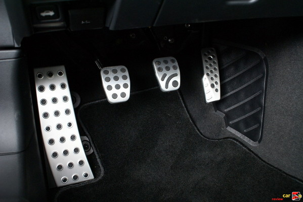 Foot pedals, aluminum including foot rest