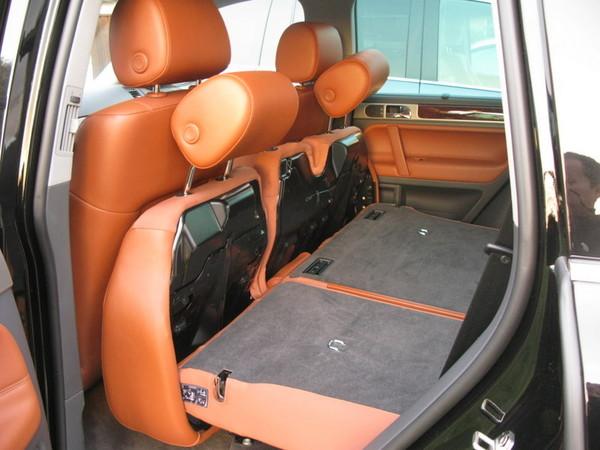 VW Touareg rear folding seats
