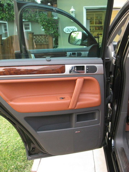 VW Touareg rear door panel