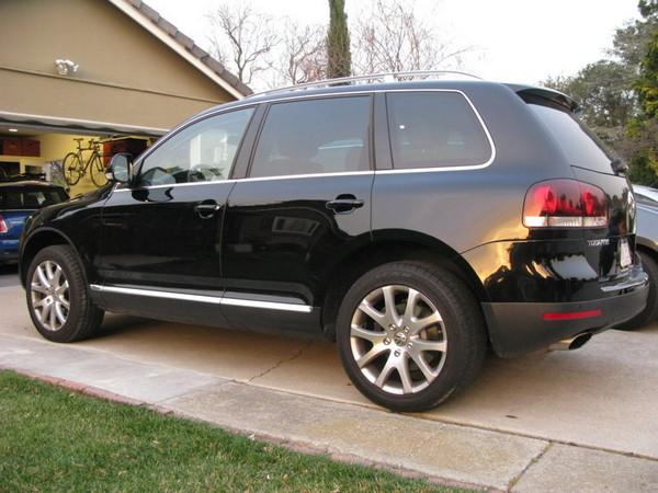 VW Touareg rear side