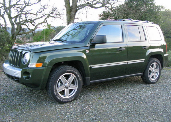 Jeep Patriot front side view