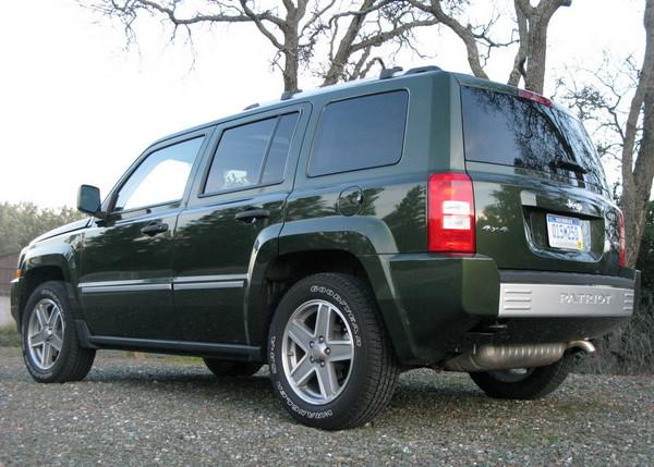 Jeep Patriot rear side view