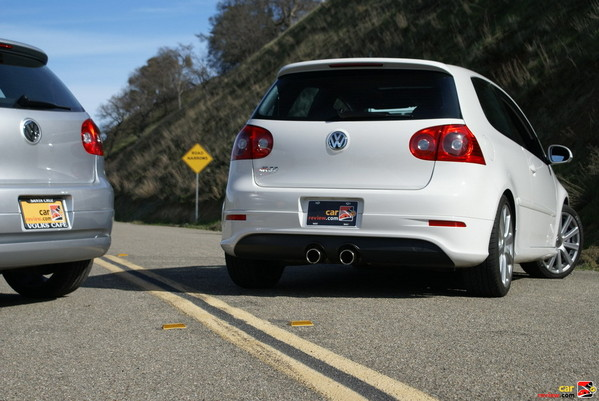 centered dual tip exhaust for the R32