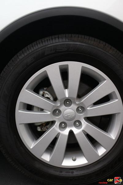 18 x 8.0-inch 5-dual-spoke aluminum-alloy