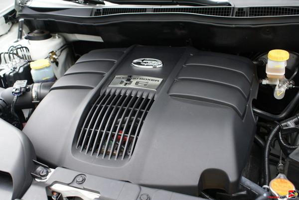 3.6-liter, 256-hp 6-cylinder SUBARU BOXER engine