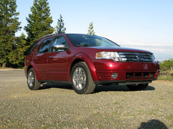 Ford Taurus X front side profile