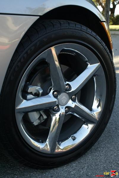 "18"" chrome alloy wheels"