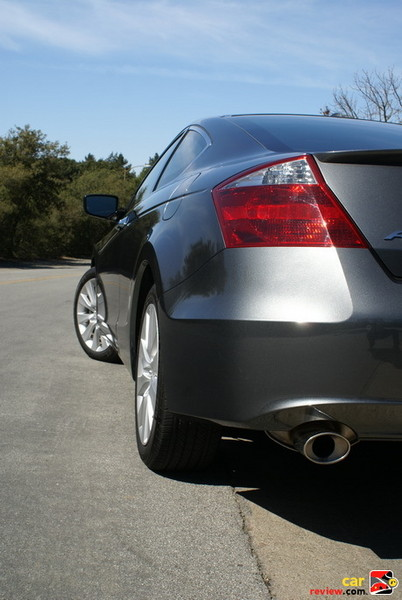 dual exhaust on V6 models