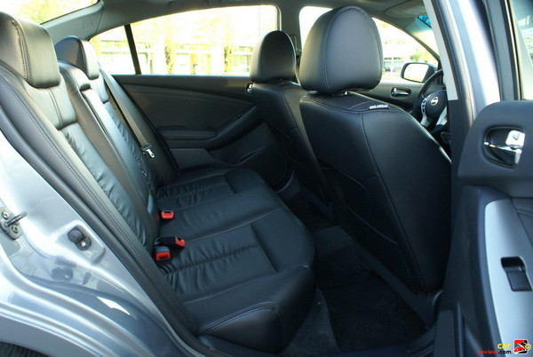 Spacious Rear Leather Seats