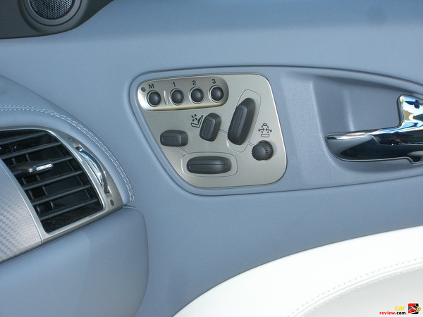10-way Power-Adjustable Seat Controls