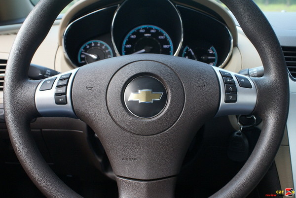 Steering Wheel Mounted Audio Controls, Leather Wrapped Steering Wheel