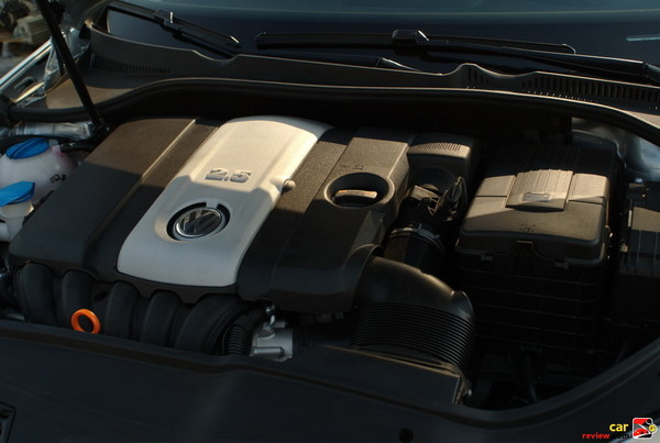 170-hp, 2.5L, 177 lbs-ft Torque, In-line 5 Cylinder Engine