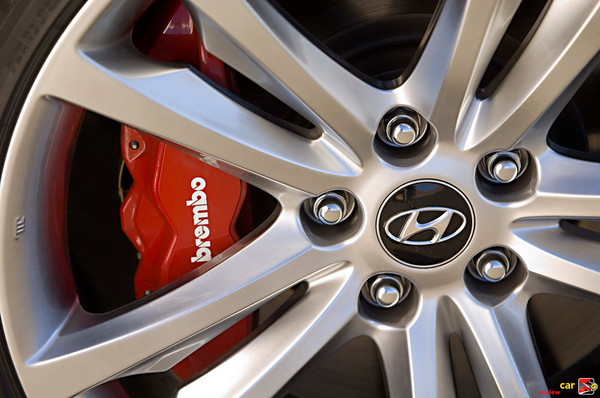 Brembo Brakes and 19 inch Alloy Wheels