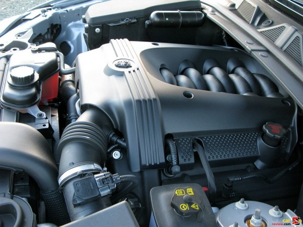 300 hp 4.2L V8 engine