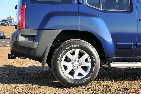 "17"" aluminum alloy wheels"