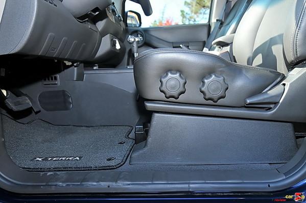 8-way manual driver's seat
