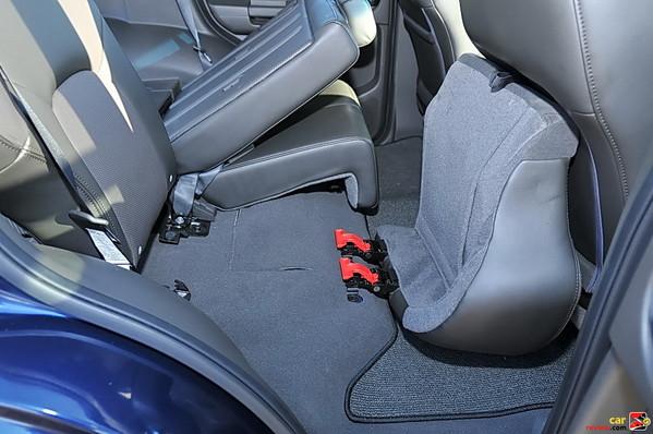 60/40-split fold-flat rear seats