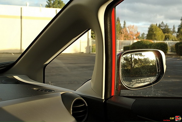 Body-Colored Folding Power Side Mirrors