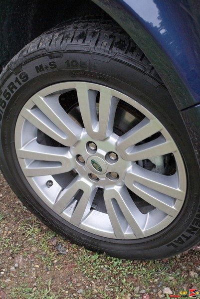 19 inch alloy wheels with 235/55AT tires