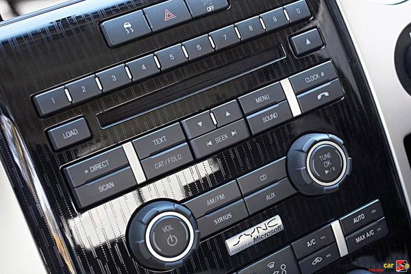700W Sony audio system w/SYNC