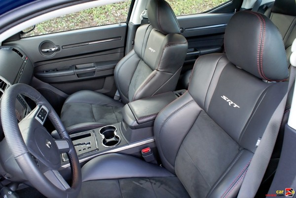 2009 Dodge Charger SRT8 interior