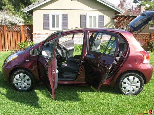 2009 Toyota Yaris 5-door Liftback