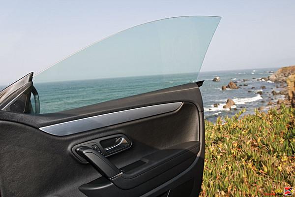 Power windows w/Integrated armrests in front door panels