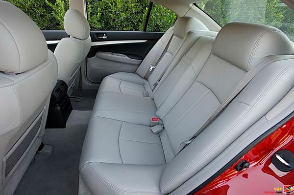 Infiniti G Sedan - rear seats