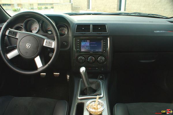 2009 Dodge Challenger SRT-8 interior