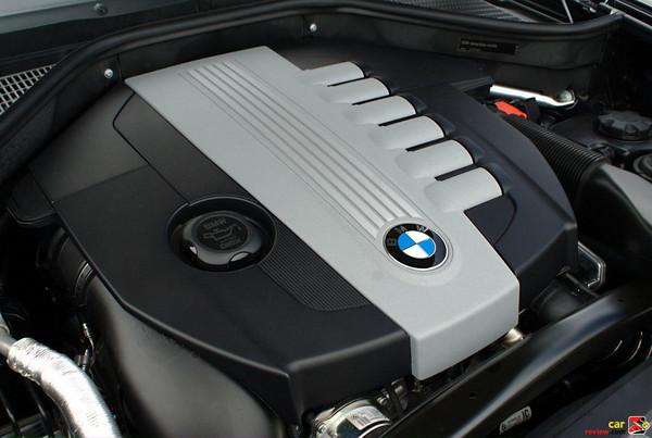 3.0L, 265 hp, Advanced Diesel twin-turbo engine
