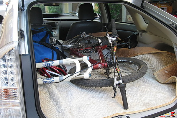 bikes fit inside the Prius