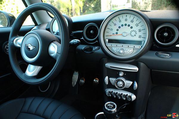 2009 MINI Cooper S cockpit