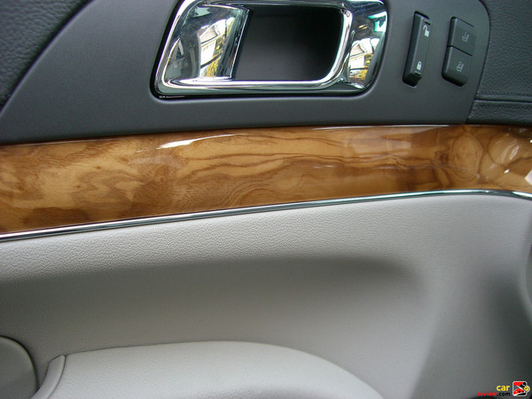 Very nice wood trim