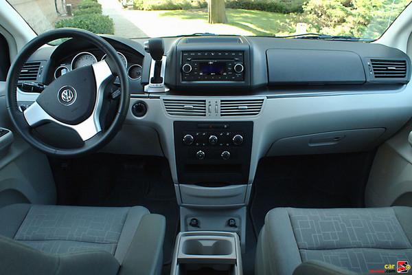 Volkswagen Routan interior