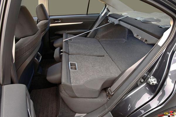 60/40 split fold-down seats
