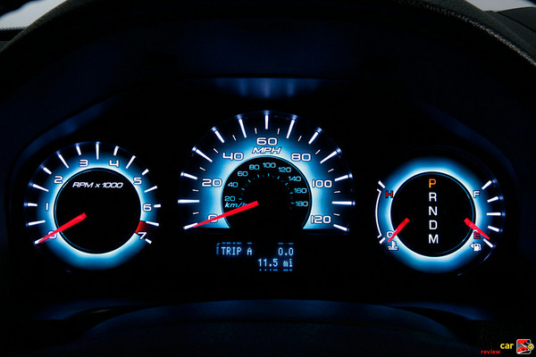 Instrument cluster w/ice blue lighting