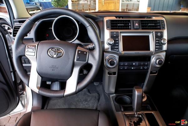 2010 Toyota 4Runner cockpit