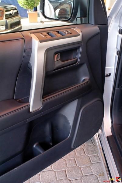 2010 Toyota 4Runner door panel