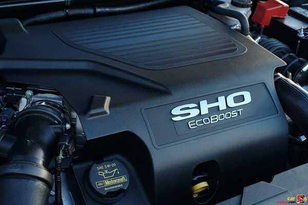 360 hp direct-injection twin turbo EcoBoost engine