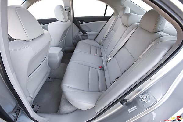 Generous rear passenger room