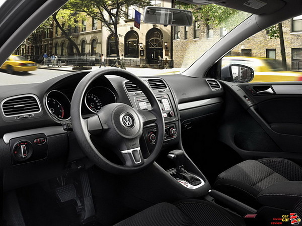 2010 VW Golf interior