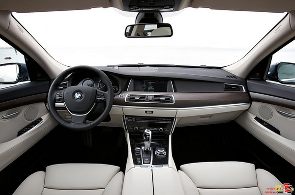 2010 BMW 5-series GT interior