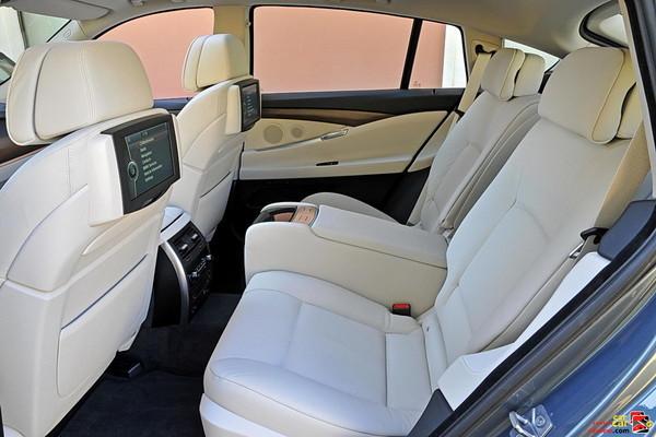 2010 BMW 5-series GT rear seats