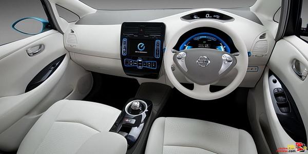 2011 Nissan Leaf EV Interior