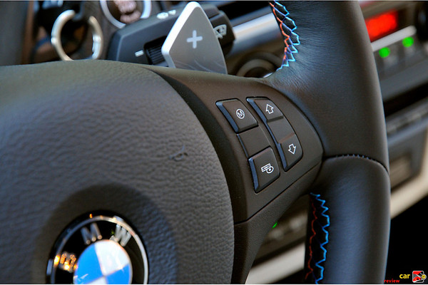 M Drive button and paddle shifters